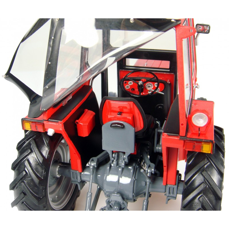 massey ferguson 135 with canopy euro miniature. Black Bedroom Furniture Sets. Home Design Ideas