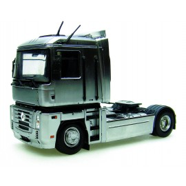 truck Renault Magnum - Chrome Version - Limited Edition 1.000 Pcs
